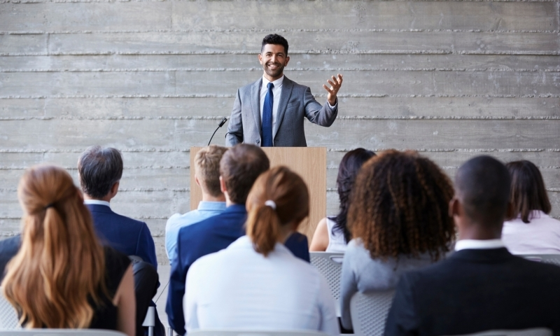 Como driblar o medo de falar em público?
